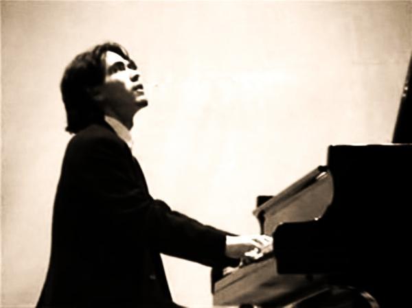 Guido Mallardi at piano